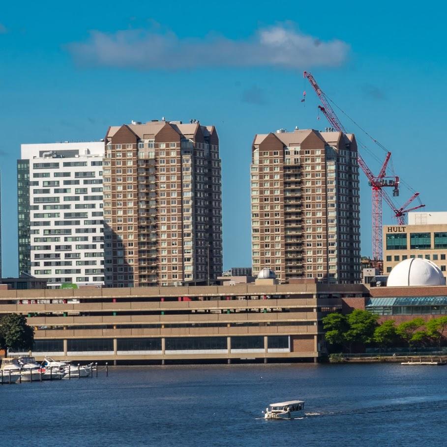 Regatta Apartments: Apartments & Condos